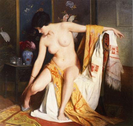nude-in-an-interior