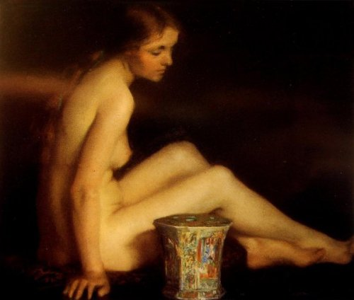 Nude With Chinese Vase