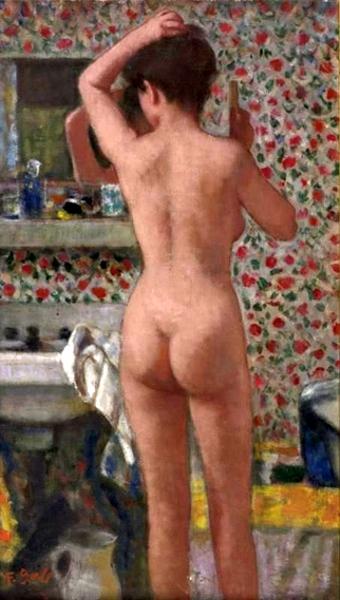 Eugenie, debout, nue et de dos à la sortie du bain