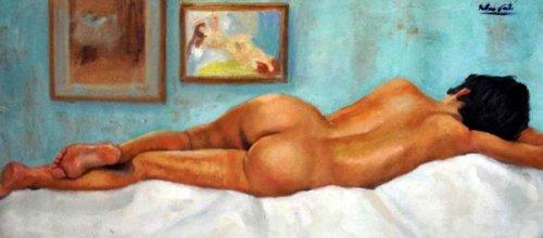 Magda de espalda