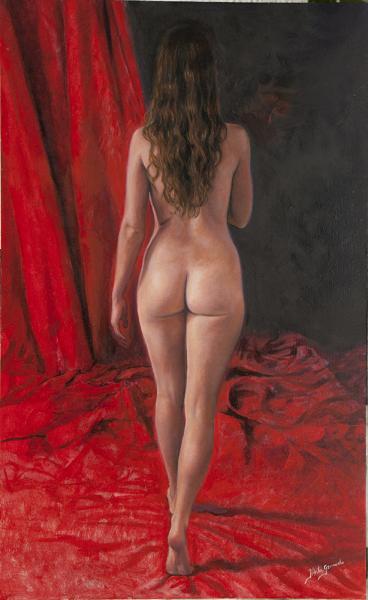Desnudo con cortinas rojas